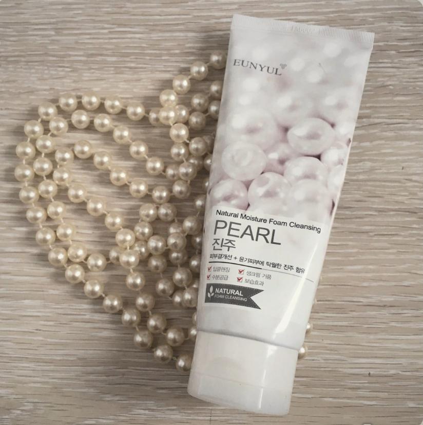 Natural Moisture Foam Cleansing – Pearl